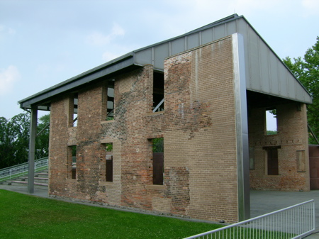chapel2.jpg
