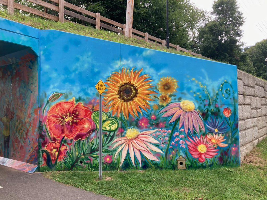 Mural depicting large flowers of different types